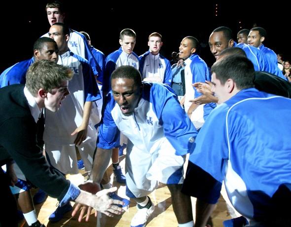 Basketball v Longwood